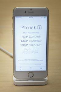 El precio del iPhone 6s comienza en los 649 dólares. Foto:Getty Images