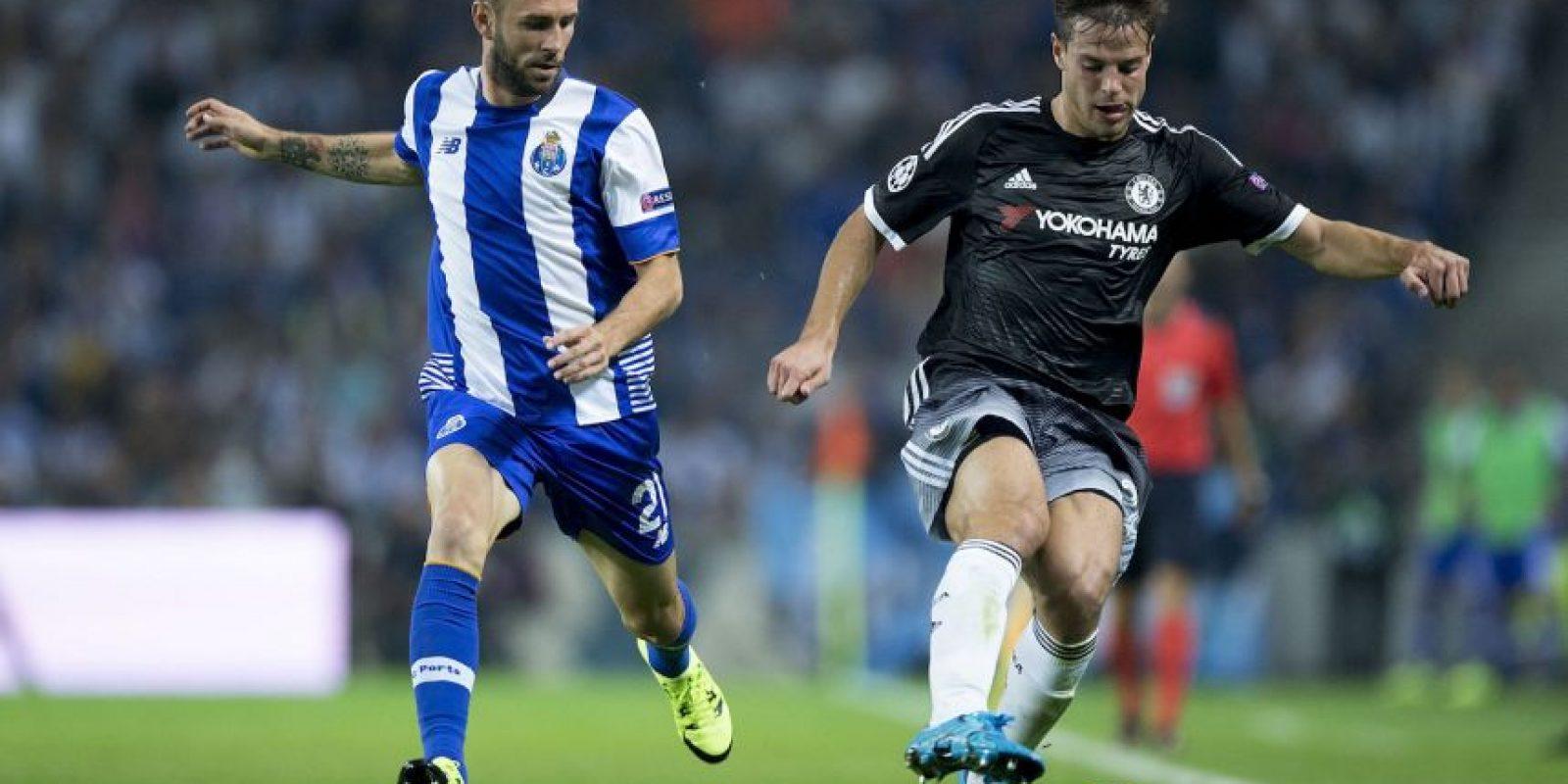 """El defensa mexicano está brillando en el Porto. El pasado fin de semana, marcó un golazo en la victoria 2-0 sobre Vitoria Setúbal y se confirma como uno de los jugadores claves de los """"Dragones"""" esta temporada. Foto:Getty Images"""