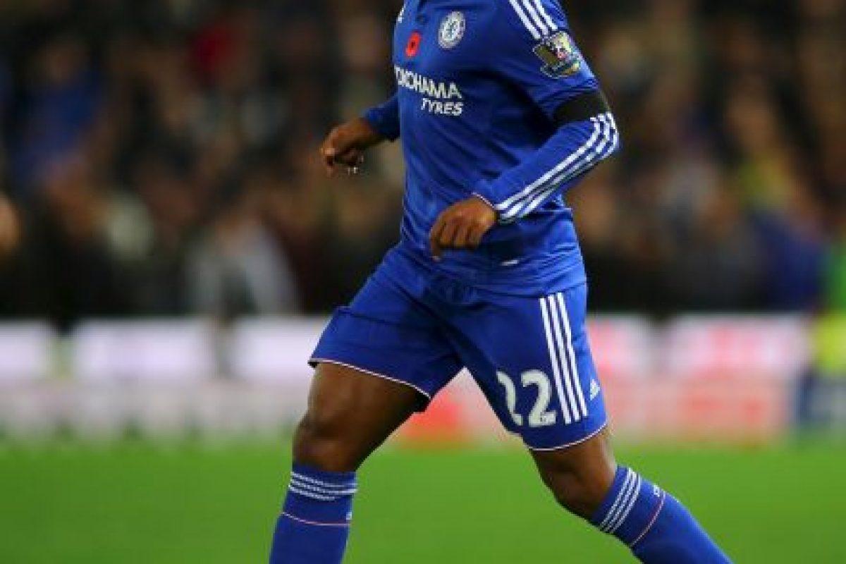 """Es quizá, el único futbolista rescatable de esta campaña en Chelsea. Con su juego y sus goles de tiro libre, Willian ha rescatado un empate o alguna victoria para los """"Blues"""" que pasan por el peor momento de su historia reciente. Foto:Getty Images"""
