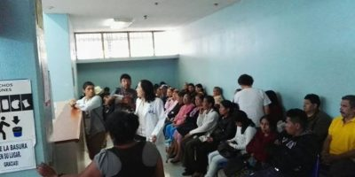 Cierran tres hospitales por falta de insumos