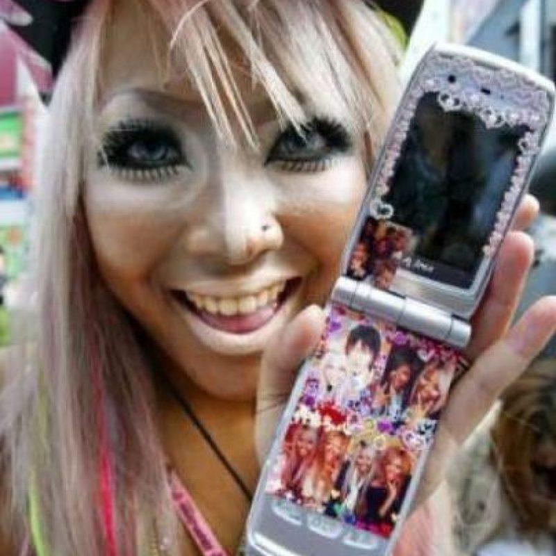 3. Las Ganguro. Esta moda suele encontrarse en las calles de Tokio. Foto:Twitter