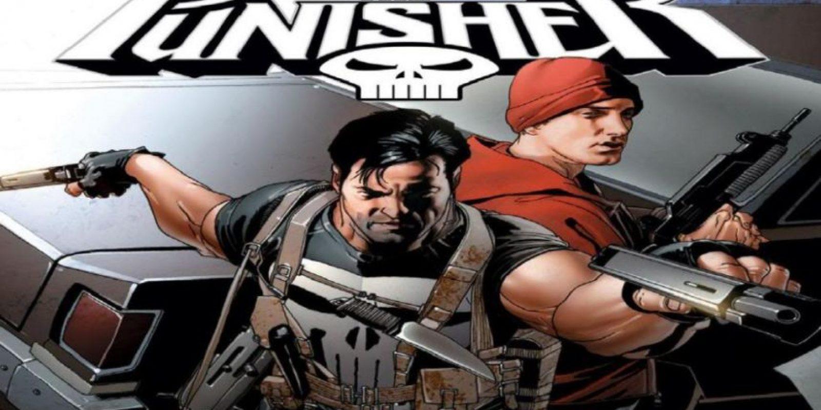 """Eminem protagonizó un cómic de acción digno de película con """"The Punisher"""". Este mata a su crew (WTF) y luego Barracuda (enemigo de Punisher) quiere matarle. Foto:vía Marvel Cómics"""