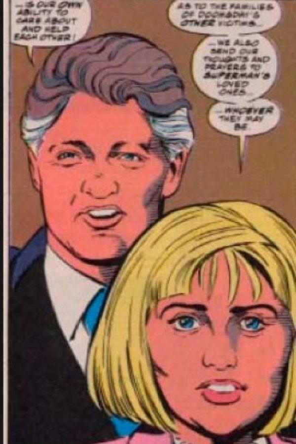 Los dos aparecen dando sus condolencias. Foto:vía DC Cómics