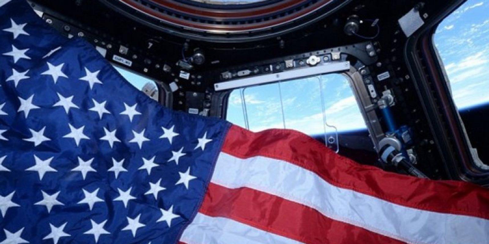 4. Actualmente hay muchos objetos que están en órbita alrededor de la Tierra. Foto:Vía Instagram.com/stationcdrkelly