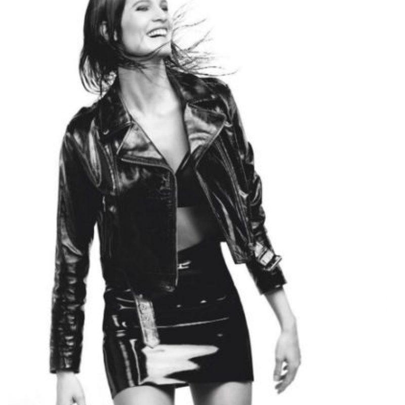 """Posó desnuda para la revista """"DMag"""". Además de que en su Instagram publica fotos de sus trabajos como modelo para varias marcas. Foto:Vía instagram.com/liz_solari"""