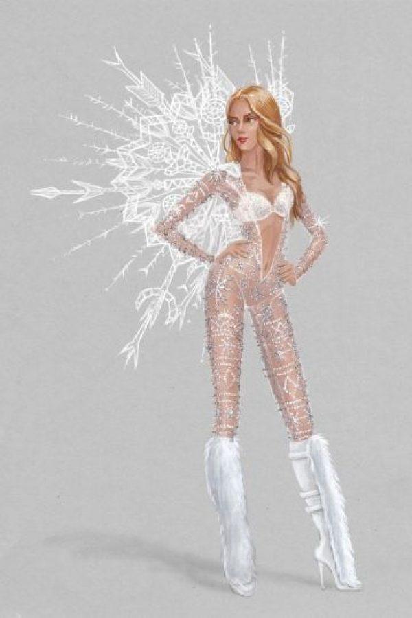 """Y este conjunto muy al estilo de la """"reina de las nieves"""". Foto:Victoria's Secret"""