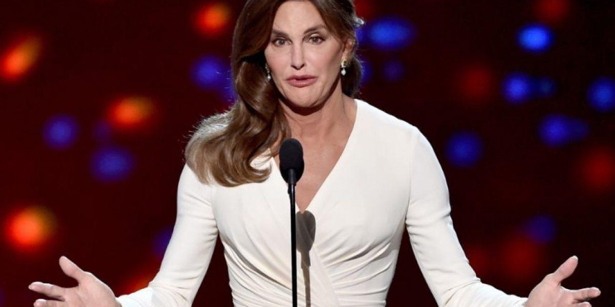FOTOS. Revelador vestido muestra la cirugía de senos que se hizo Caitlyn Jenner