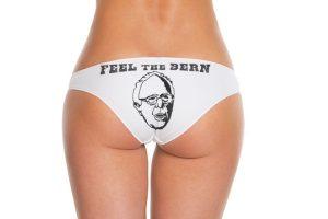 En ambos aparece el dibujo del precandidato. Foto:BerniesBriefs.org