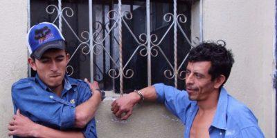 """Policía detiene a los """"gallitos"""" del pueblo"""