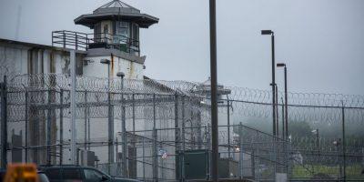 Luego los presos comienzan a vivir 24 horas al día con sus nuevos compañeros. Foto:Getty Images