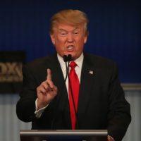 Mientras, Trump aseguró que no piensa aumentar el salario mínimo. Foto:Getty Images