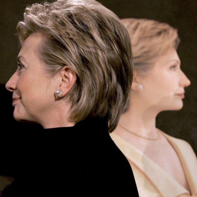 No es la primera vez que se duda que el cabello de Clinton sea natural. Foto:Getty Images