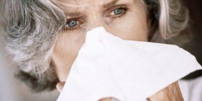 Estornudar implica sonarse luego y soltar mocos. Foto:vía Getty Images