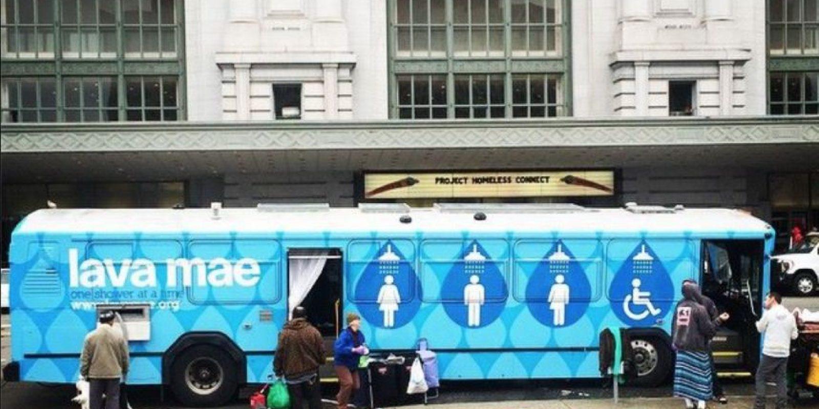 La organización Lava Mae cree que el acceso a duchas y aseos no debe ser un lujo. Foto:Vía facebook.com/LavaMae.org