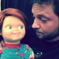"""En 2013, volvió a encontrarse con el """"muñeco diabólico"""" en el filme """"La maldición de Chucky"""", Foto:vía instagram.com/alex_vincent"""
