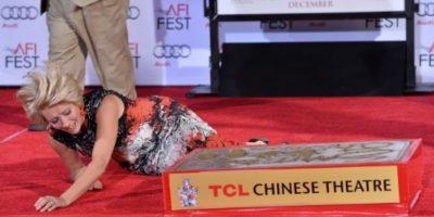 "Emma Thompson se cayó en el AFi Fest 2013, durante el estreno de ""Saving Mr. Banks"" Foto:Getty Images"