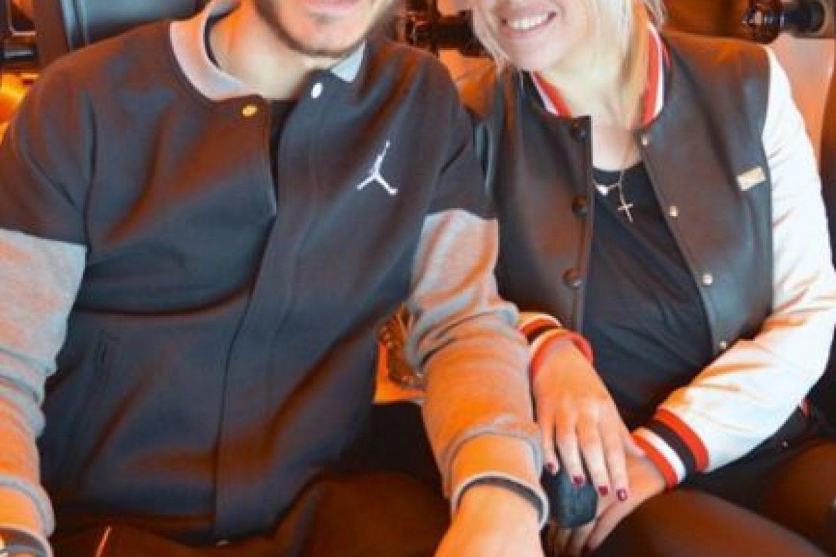 De hecho, el propio futbolista reveló por error, que ellos comenzaron su relación cuando ella aún estaba casada con Maxi. Foto:Vía instagram.com/wanditanara
