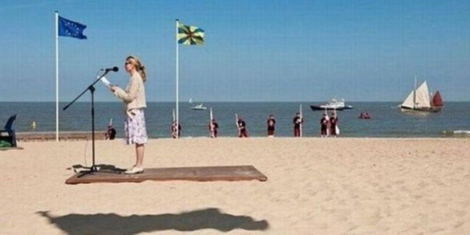 Ni ella vuela en una alfombra. Foto:Reddit