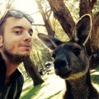 Con un canguro. Foto:Vía Instagram/#amazingselfie