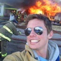 Frente al incendio… Foto:Vía Twitter