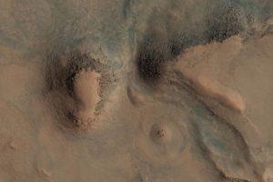 Esta es la imagen difundida por la agencia espacial Foto:Original: http://hirise-pds.lpl.arizona.edu/PDS/EXTRAS/RDR/ESP/ORB_028800_028899/ESP_028891_2085/ESP_028891_2085_RGB.NOMAP.browse.jpg