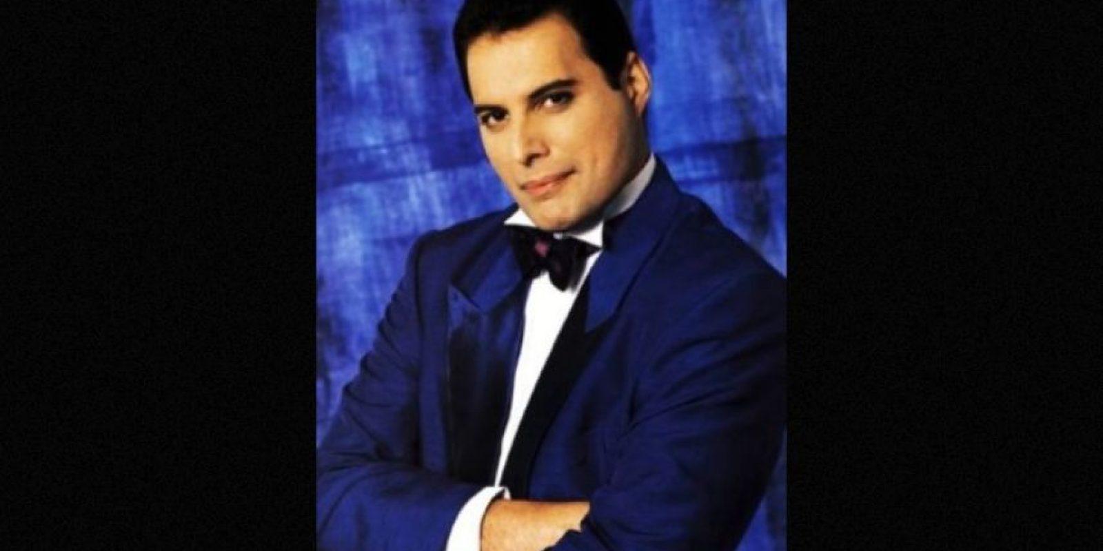 Freddie Mercury- El cantante británico murió en Reino Unido en 1991 Foto:IMDb