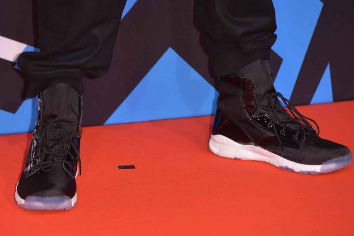 El oficial no gastó más de 50 dólares en los zapatos. Foto:Getty Images
