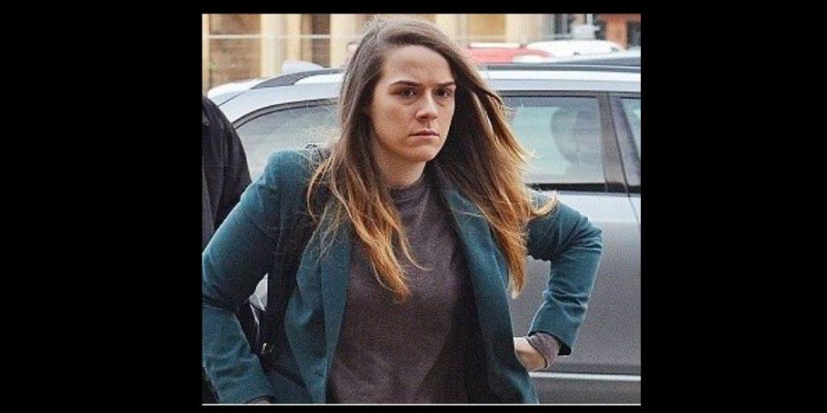 8 años de cárcel a mujer que abusó a amiga haciéndose pasar por hombre