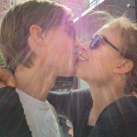 También tiene una relación estable con su novia. Foto:vía Instagram/janaknauer