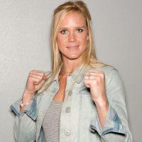Desde 2011 practica las artes marciales mixtas y su récord es de 9 ganadas y 0 peleas perdidas. Foto:Getty Images