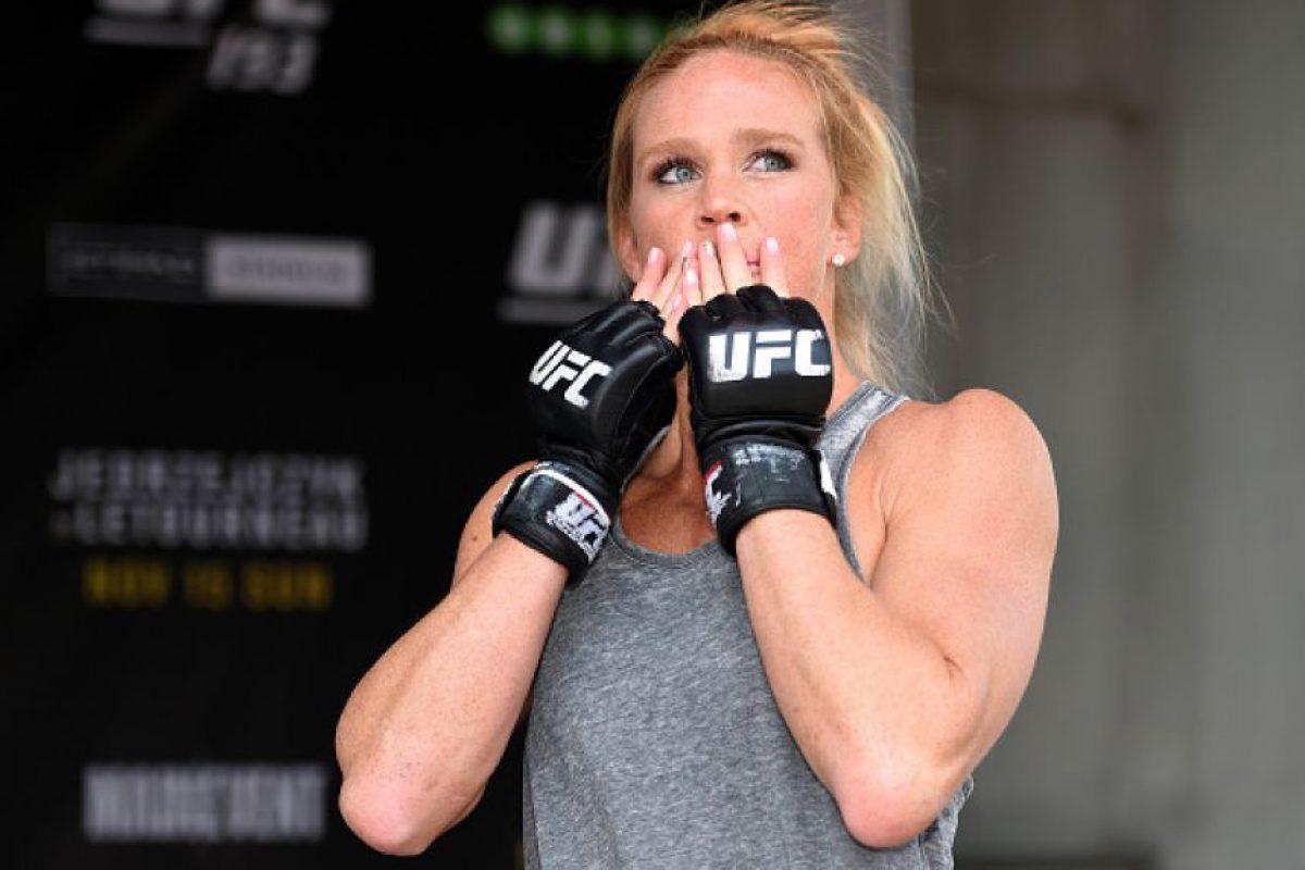 Holly Holm tiene 34 años y antes de entrar a las artes marciales mixtas fue boxeadora y llegó a ser campeona del mundo por el WBC. Foto:Getty Images