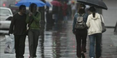 Frente frío generará lluvia durante todo el fin de semana