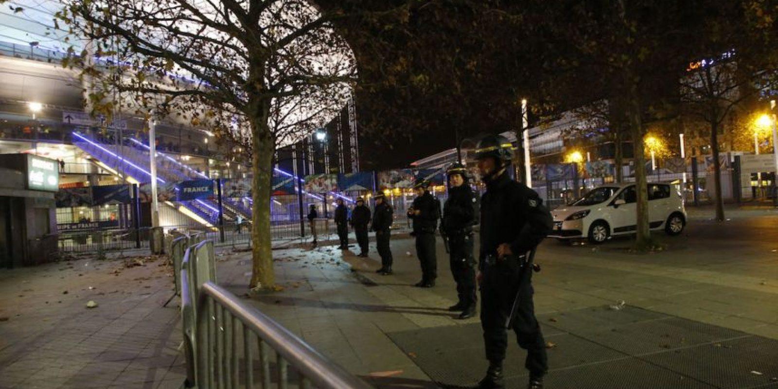 La policía resguarda las calles. Foto:AP