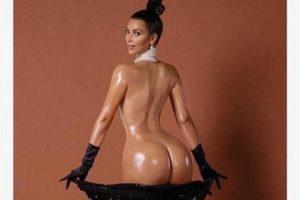 "Esta portada de la revista Paper de noviembre de 2014, literalmente ""rompió internet"". Foto:Vía instagram.com/kimkardashian"