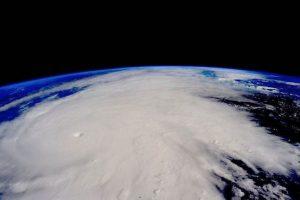 """En ella se mencionaba que la Tierra experimentaría durante un lapso de 100 horas un fenómeno cósmico que evitaría que el Sol no llegara a nuestro planeta. Según el sitio """"Newswatch33"""", esto comenzaría el día 15 de noviembre y finalizaría el 30 del mismo mes. Foto:Twitter/@NASA"""