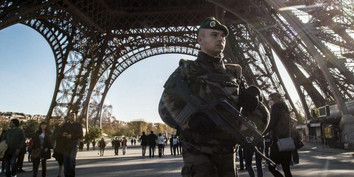 Sin fecha de reapertura la torre Eiffel y otras atracciones turísticas de Francia