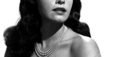 Fotos: 8 sensuales mujeres  que fueron famosas antes que las