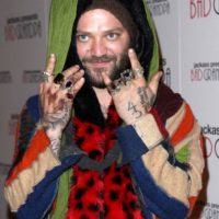 """En """"Jackass"""" se hizo conocido por molestar todo el tiempo a su tío Vincent Margera. Foto:vía Getty Images"""