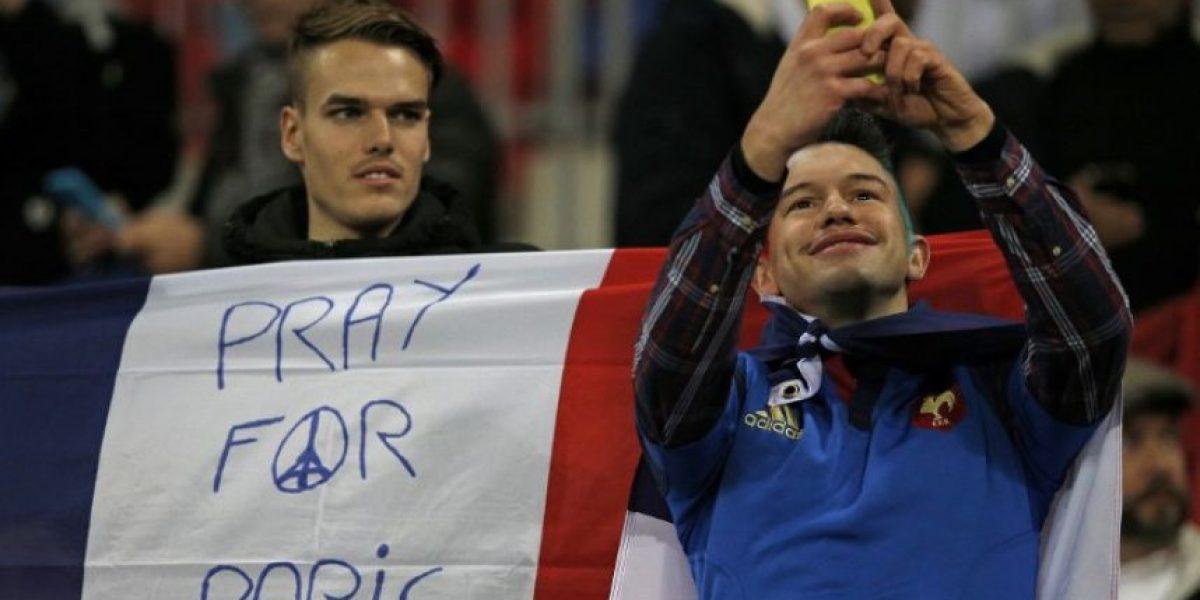 Fotos: Tributo a las víctimas del atentado terrorista en el Inglaterra-Francia