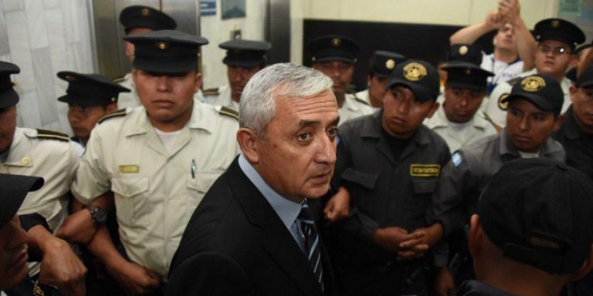 Trasladan al expresidente Otto Pérez del cuartel Matamoros