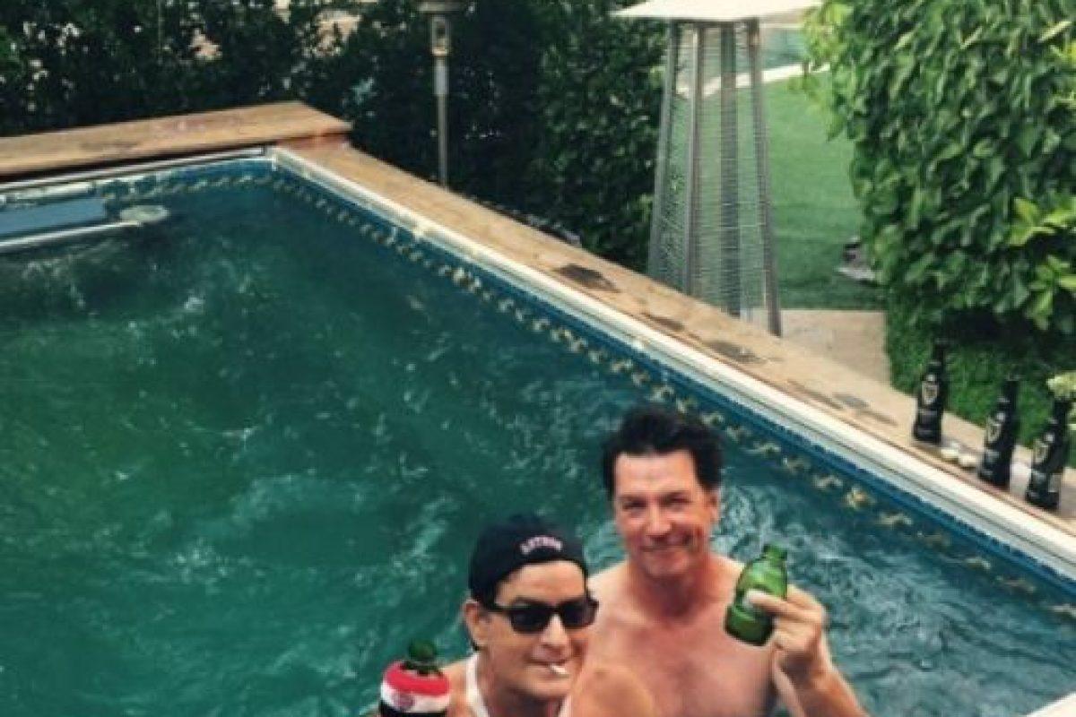En los últimos meses, Sheen no ha sido retratado por los paparazzi, ni se le ha visto en eventos públicos. Foto:vía twitter.com/charliesheen