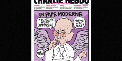 Al igual que autoridades religiosas, como el Papa Francisco Foto:Facebook: Charlie Hebdo Officiel