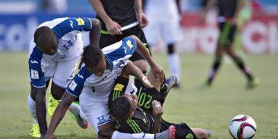 Luis Garrido sufrió una lesión que podría terminar con su carrera. Foto:Diario La Prensa