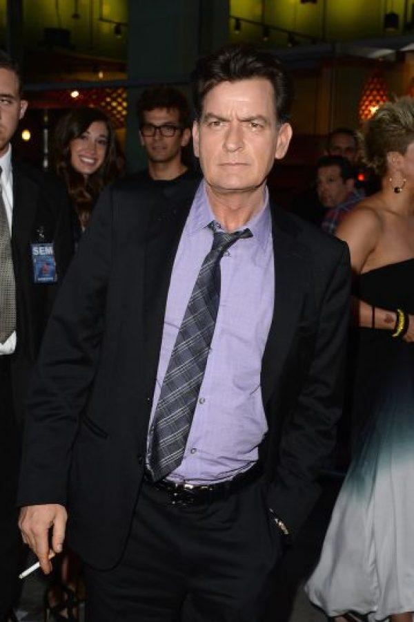 Tras numerosos rumores sobre su estado de salud, Charlie Sheen confirmó hoy que es portador del virus de VIH. Foto:Getty Images