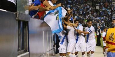Guatemala vuelve a la vida con una goleada 4-0 sobre San Vicente