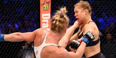 Esta fue la patada con la que Holm le quitó el invicto a Rousey Foto:Getty Images