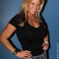 Primero trató de estrangular a su novio y después violó la orden de restricción en su contra Foto:WWE