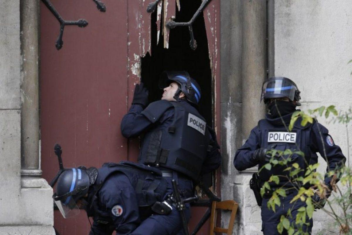 Las cuales planeaban un atentado terrorista en un aeropuerto y en un centro comercial Foto:AFP