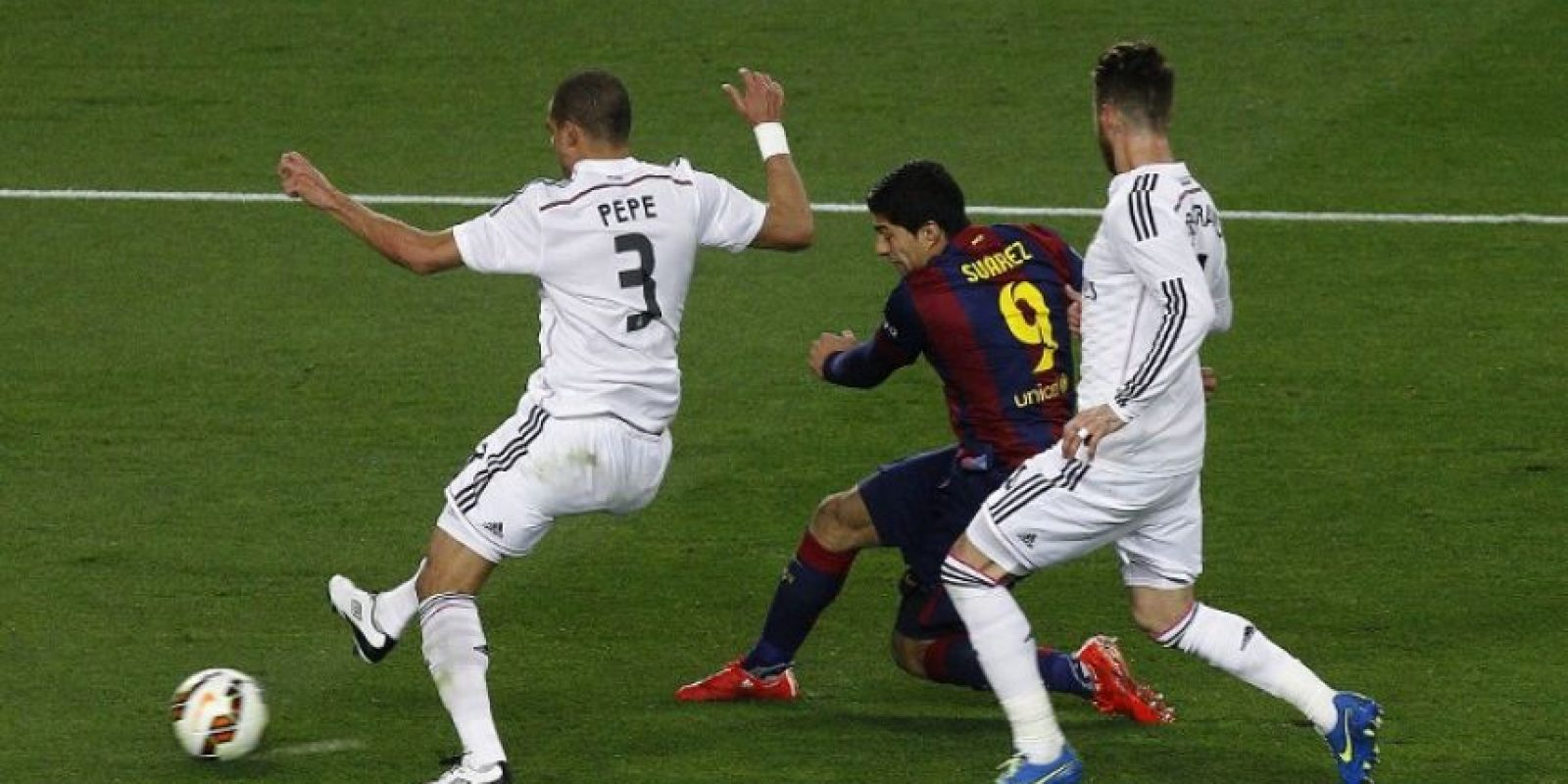 Los merengues y los culés volverán a verse las caras en el Camp Nou. Foto:AFP