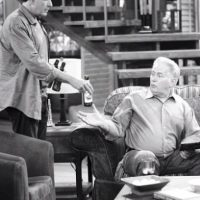 """Padre e hijo incluso compartieron créditos en la serie """"Two and a Half Men"""". Foto:vía twitter.com/charliesheen"""